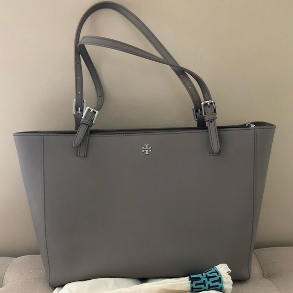 Tory Burch Handbags - Tory Burch York/ Emerson tote